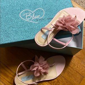 NIB Betsy Johnson pink satin sandals 6